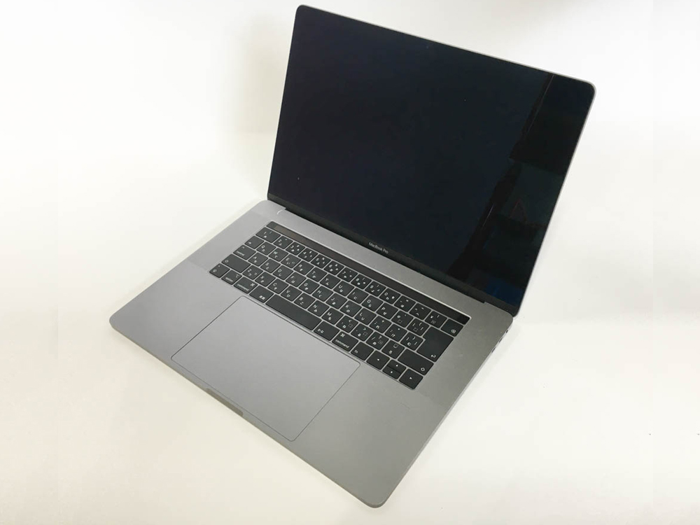 Apple MacBookPro15,1